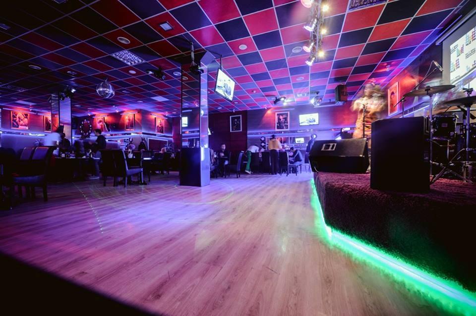 Billiard Karaoke Hall
